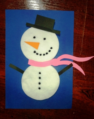 Счастливый снеговик из ватных дисков, специально для вас!