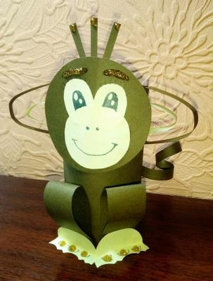 Создай бумажную статуэтку обезьяны своими руками, вместе с нами.